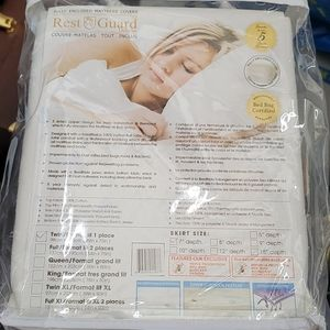 """Rest Guard Twin 7"""" fully enclosed mattress cover"""